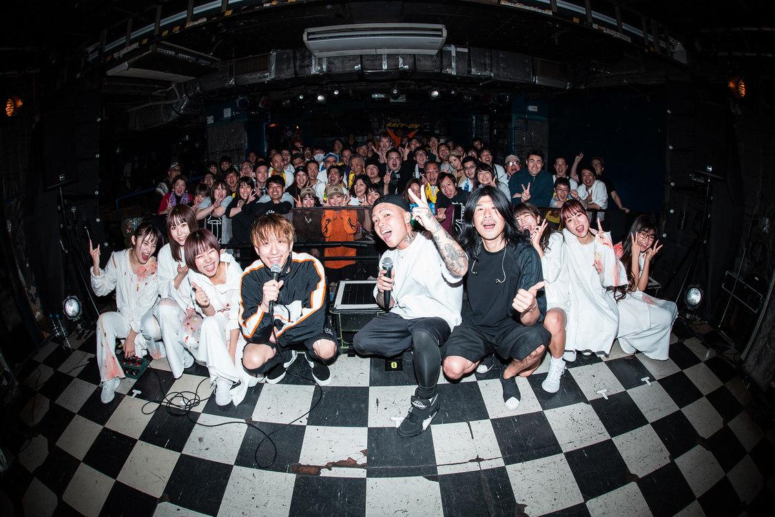 大阪☆春夏秋冬[ライブレポート]BACK-ONと異色の2マンライブ!熱いロックサウンドで会場を魅了