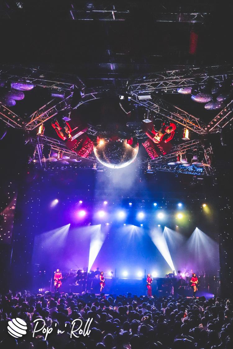 フィロソフィーのダンス[ライブレポート]愛と感動が溢れた満員のツアーファイナル「ババア・フォーになっても私たちは歌って踊り続けます」
