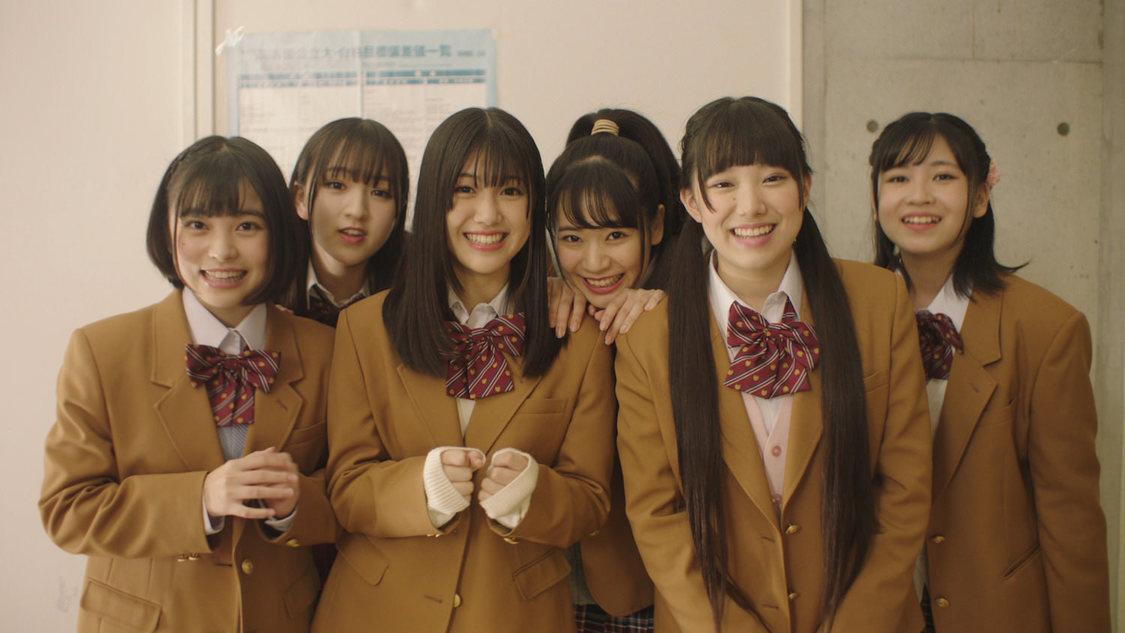 PiXMiX、淡い恋と友情の物語を描いた「チョコレート・リグレット」MV公開!