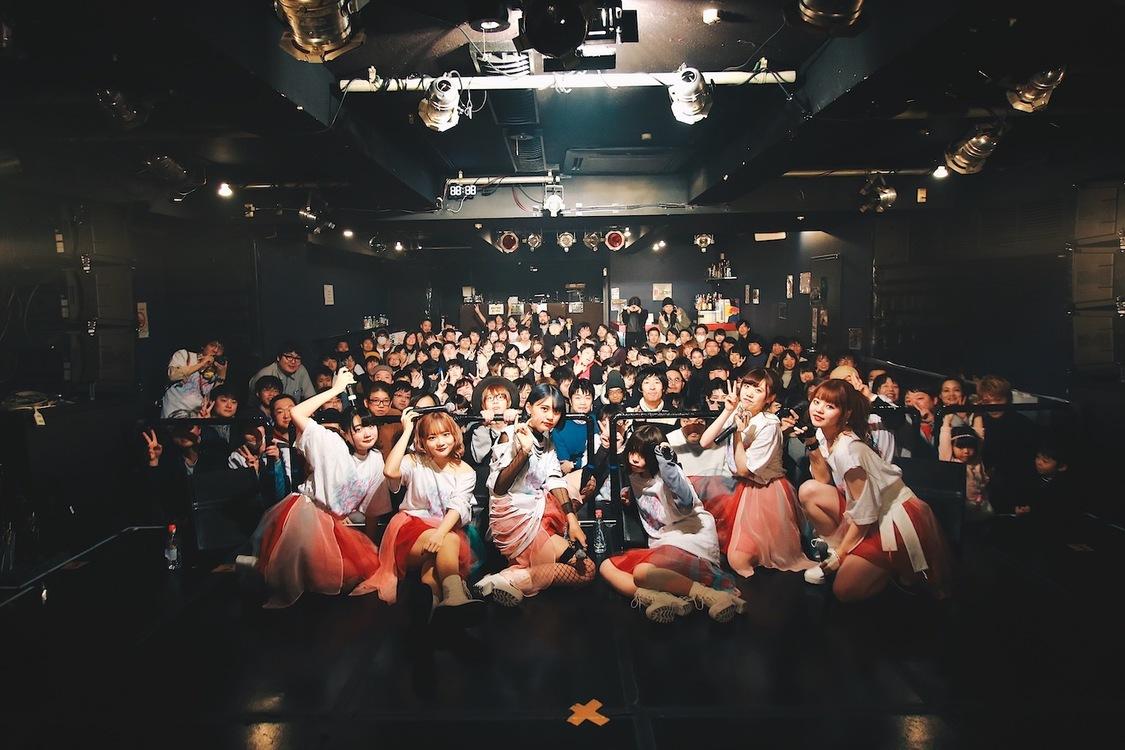 朝ぼらけの紅色は未だ君のうちに壊れずにいる[ライブレポート]渋谷aubeにてライブデビュー「ここがゴールではなくて、アサキミはここから」