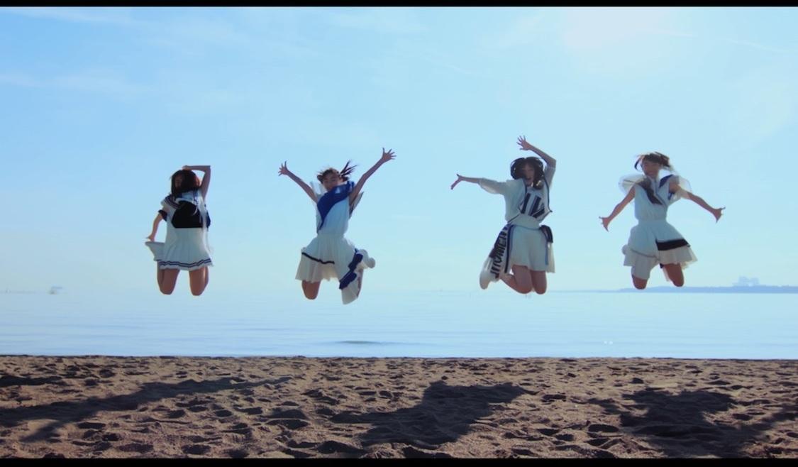 "B.O.L.T、""メンバーが考える可愛いジャンプ""が見られる、グループ初のMV「宙に浮くぐらい」公開!"