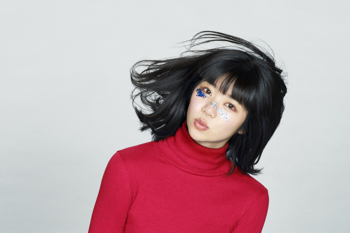 """眉村ちあき、「緑のハイヒール」MV公開""""できるだけミステリアスな女になりたいです!"""""""
