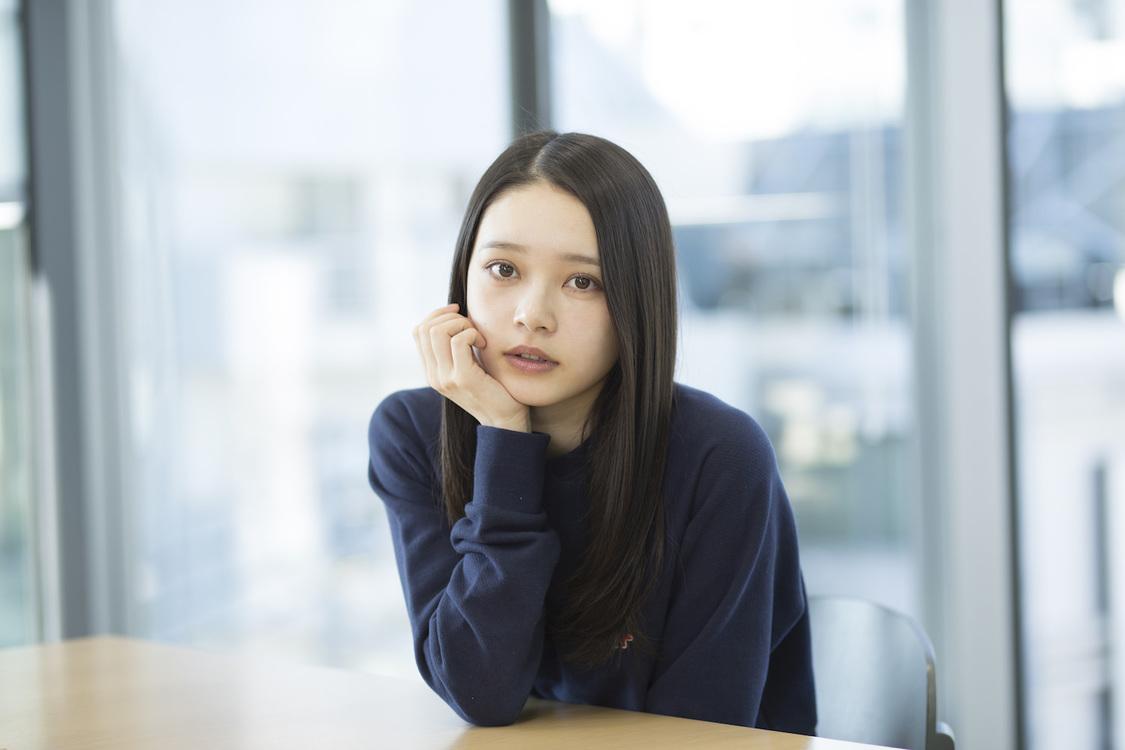 高石あかり[インタビュー]「等身大の私でいられるところがポイント」出演舞台<バレンタイン・ブルー>明日開幕!