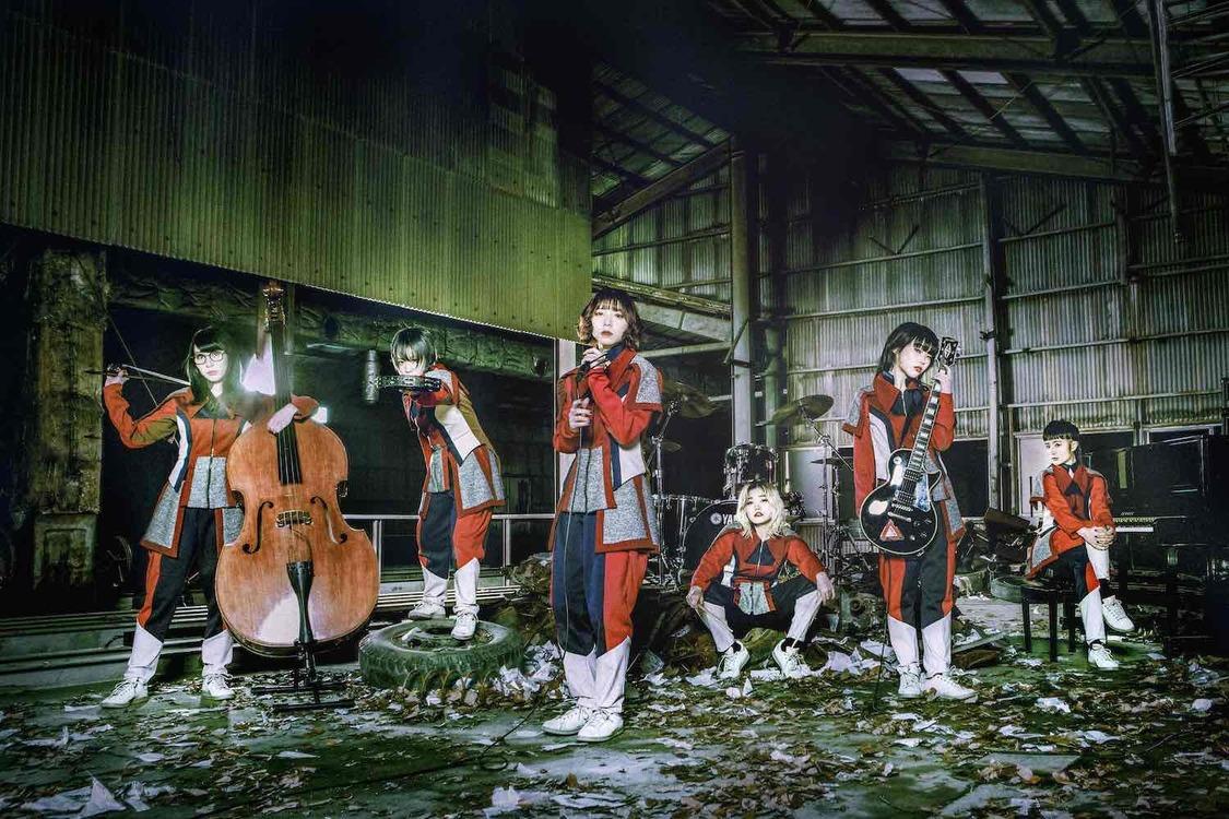 "BiSH、""楽器を持ったパンクバンド""に?新曲「TOMORROW」MV+新ビジュアル公開!"