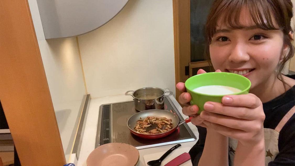 清水麻璃亜((C)AKB48)