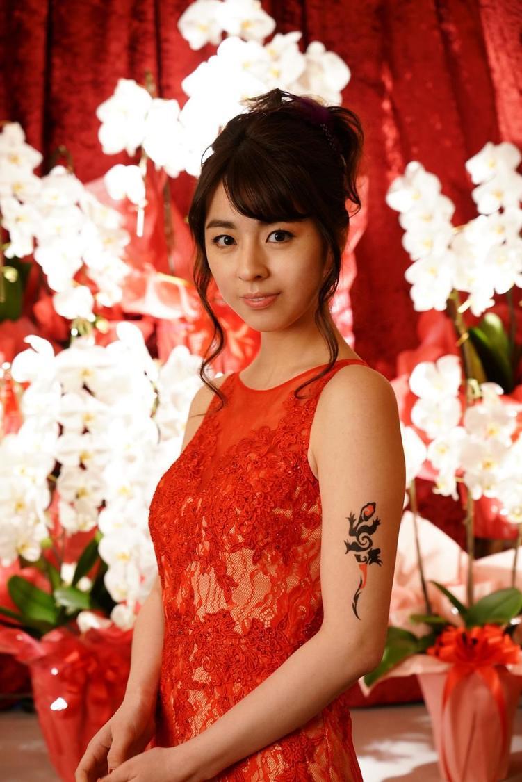 柳ゆり菜、祇園のホステス役で 『探偵・由利麟太郎』に出演「ミステリーの世界を楽しんでいただけるドラマだと思います」