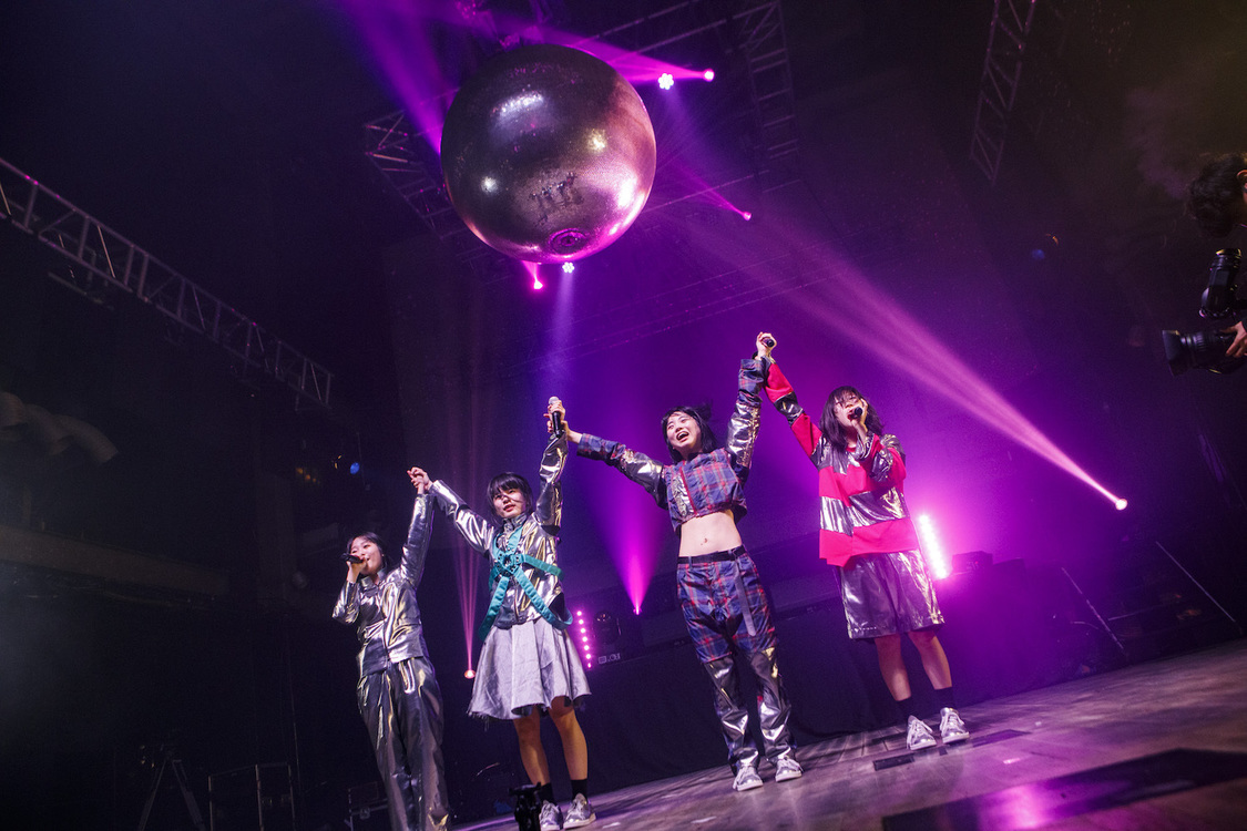 <HEART-SHAPED BiS IT'S TOO LATE EDiTiON NO AUDiENCE LiVE>(2020年6月20日)