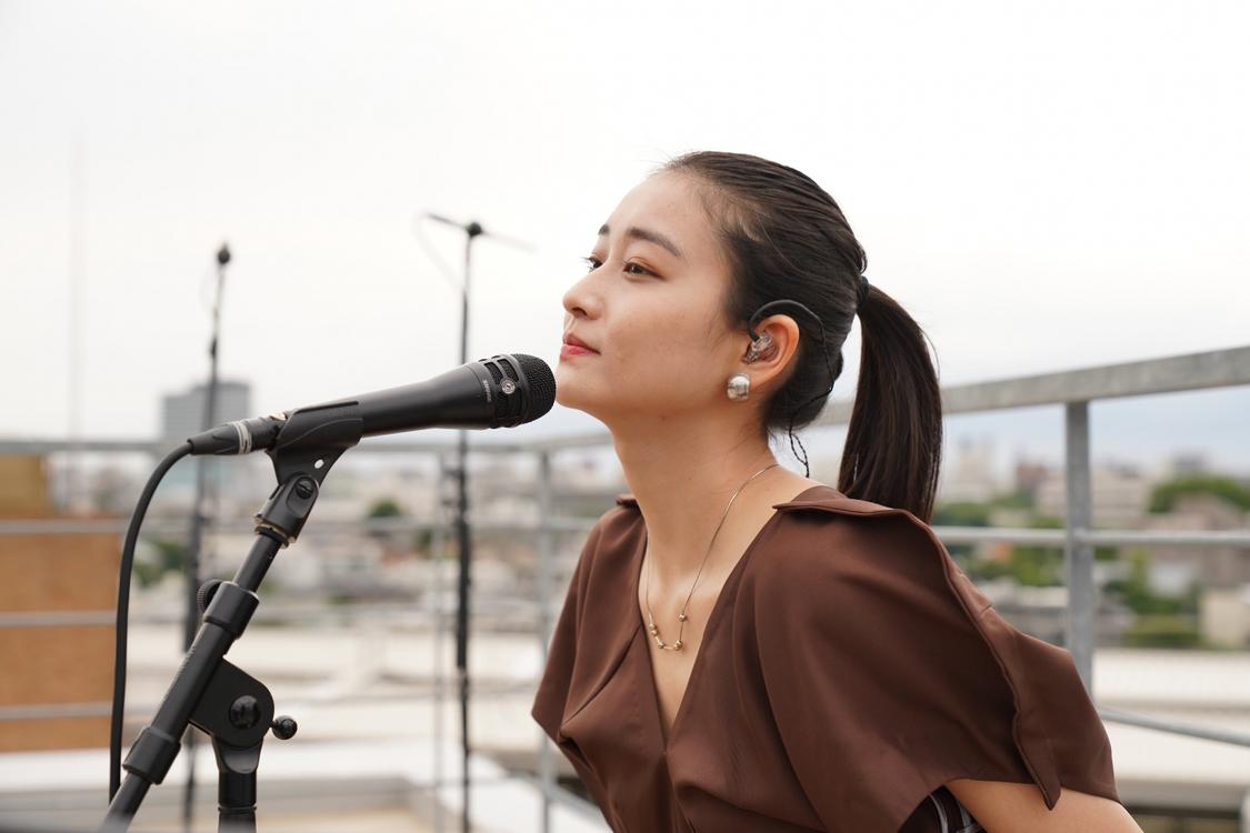 和田彩花[ライブレポート]屋外配信ライブで解き放ったメッセージ!「心地いいなって思いながら歌ってました」