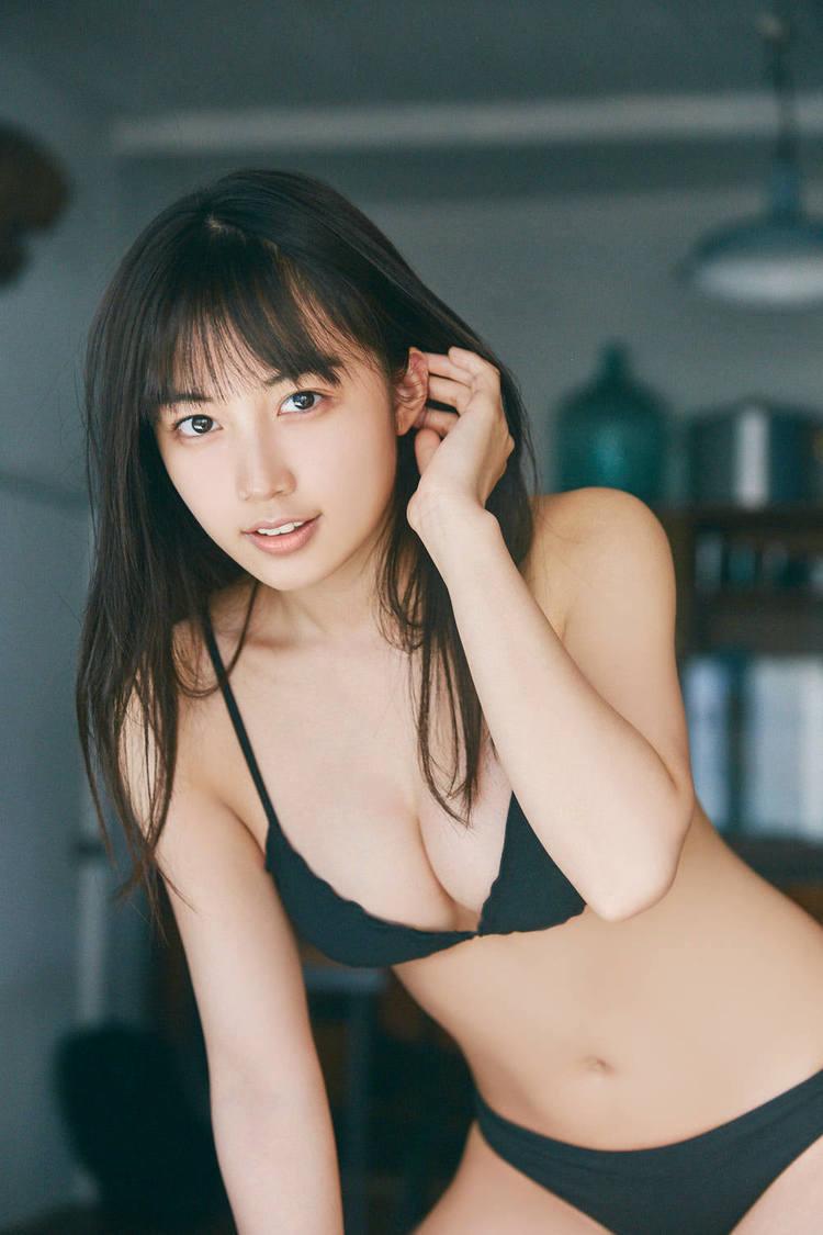 黒木ひかり (c)持田薫/FLASHスペシャル
