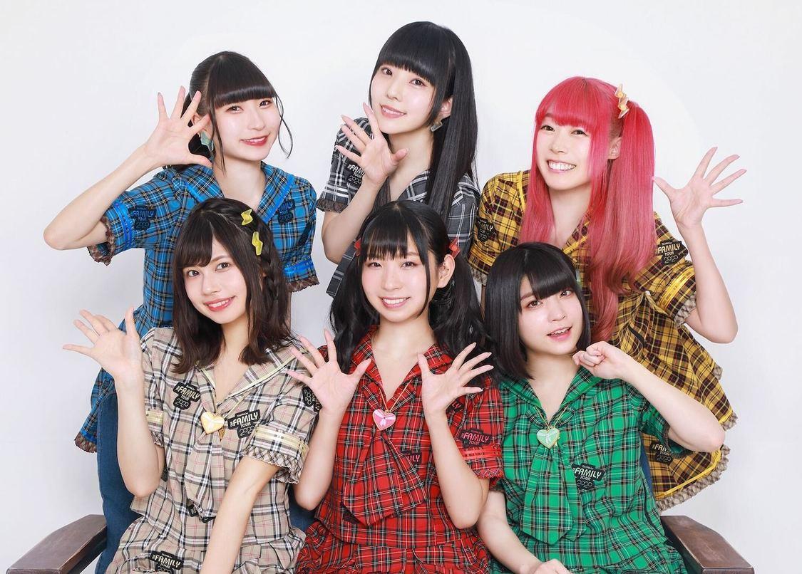でんぱ組.inc、神聖かまってちゃんとの2マン配信ライブにてARライブ演出導入!