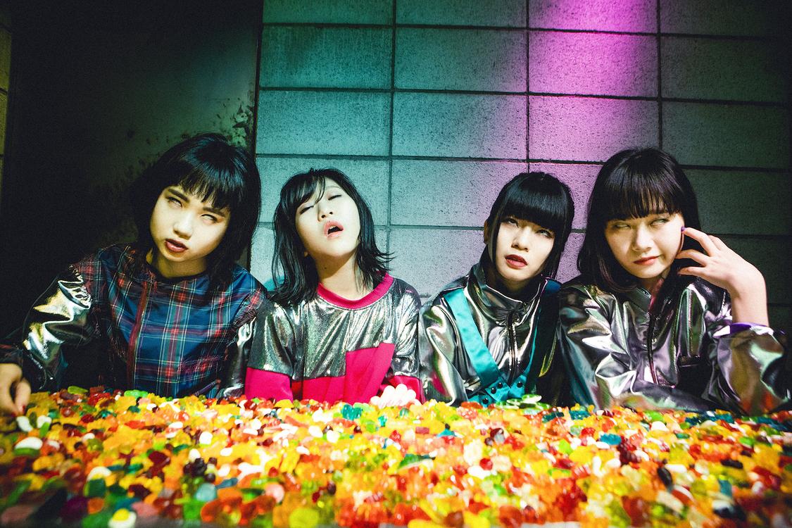 BiS、タワレコ店舗限定で新曲「イミテーションセンセーション」をカセットテープでゲリラリリース!
