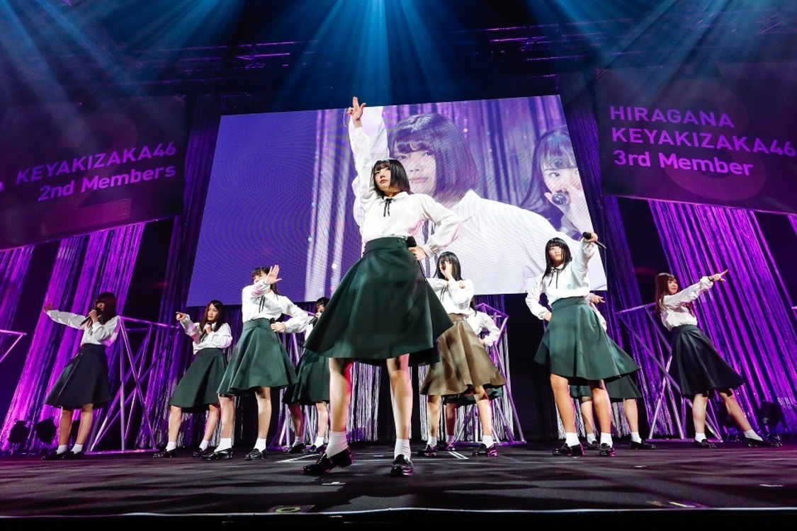 欅坂46、けやき坂46、<お見立て会>開催。1万人の前で初パフォーマンスを披露!