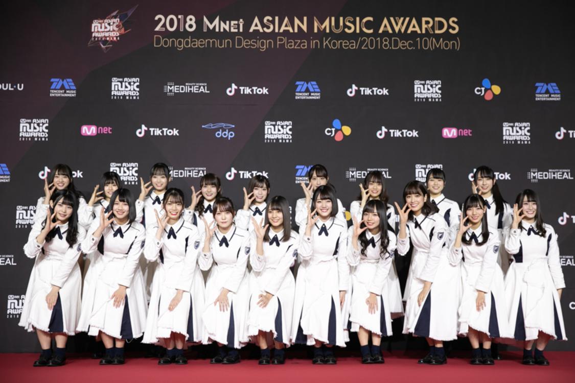 けやき坂46、アジア最大級の音楽授賞式で初の海外パフォーマンスを披露!