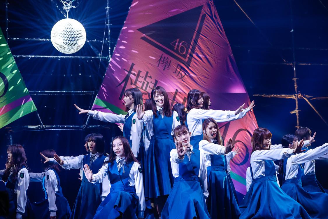 欅坂46[ライブレポート]28人が放った圧巻のパフォーマンスと再生への決意「新たに強いグループになることを約束いたします」